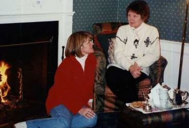 Julie Bishop in December 1996, at Martha's Vineyard, telling her mother Isabel (who died in 2005) that she wanted to become a politician.